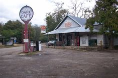 "1. <a href=""http://www.onlyinyourstate.com/arkansas/oldest-restaurant-ar/ ""target=""_blank"">Oark General Store (Oark)</a>"