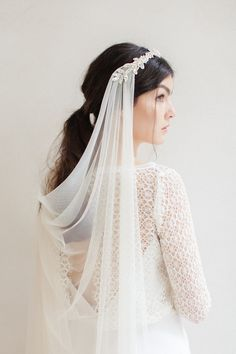 18 Spectacular Statement Bridal Headpieces for 2017 Take your Big Day look up a . - 18 Spectacular Statement Bridal Headpieces for 2017 Take your Big Day look up a notch with one of t - Bridal Veils And Headpieces, Headpiece Wedding, Chain Headpiece, Bridal Lace, Bridal Style, Lace Wedding, Gown Wedding, Vintage Wedding Veils, Short Wedding Veils