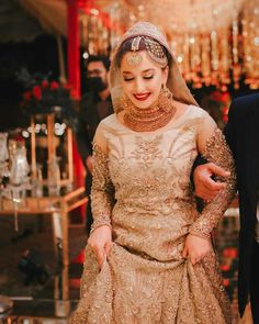 Bridal Mehndi Dresses, Asian Bridal Dresses, Bridal Dress Design, Pakistani Bridal Dresses, Bridal Outfits, Ayeza Khan Wedding, Beautiful Dresses, Nice Dresses, Bridal Makeup Images