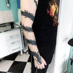 Yu Yu Hakusho Hiei, Bleach Tattoo, Tatoo 3d, Anime Tattoos, Bleach Anime, Tattoo Ideas, Cosplay, Beast, Dragon