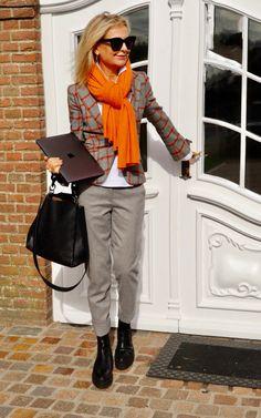 Gewagt und gewonnen, Bibi Horst präsentiert ihre persönlichen Business Outfits für die moderne Frau von heute. | Stilexperte für Styling und Anti-Aging 45+