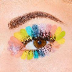Eye Makeup Art, Colorful Eye Makeup, Eyeshadow Makeup, Eyeshadow Palette, Face Paint Makeup, Eyeshadow Designs, Rainbow Eye Makeup, Eyeshadow Ideas, Colorful Makeup