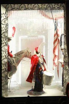 Holiday Windows NYC - Best Christmas Displays