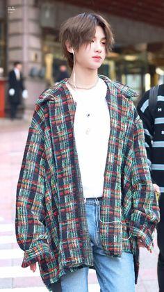 Cre: the owner/as logo Korea Fashion, Asian Fashion, Boy Fashion, Korean Babies, Cute Korean Boys, Korean Perm, Justin Huang, Boy Idols, Fine Boys