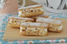 I Dolcetti pavesini paradiso sono freschi veloci e pronti per essere mangiati a merenda dai bambini, ma perfetti anche per gli adulti Italian Cookie Recipes, Italian Cookies, Italian Desserts, Mini Desserts, Easy Delicious Recipes, Sweet Recipes, Yummy Food, Biscotti Cookies, Italian Cake