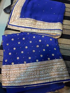 Punjabi Fashion, Indian Fashion, Women's Fashion, Patiala Salwar Suits, Punjabi Suits, Kamiz Design, Boutique Suits, Indian Suits, Indian Designer Wear