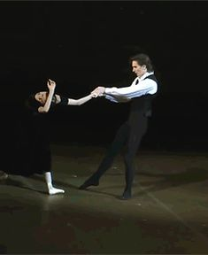 bliss — Svetlana Zakharova and Vladislav Lantratov. Gif Dance, Just Dance, Ballet Class, Ballet Dancers, Gifs, Dance Dreams, Paris Opera Ballet, Svetlana Zakharova, Misty Copeland