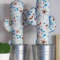 Ya es sábado y eso es MÚSICA para mis oídos! En la tienda online www.kactusconk.etsy.com puedes encontrar este modelo de #cactusdetela para los amantes de   FELIZ SÁBADO CACTUSER@S!  #cacti #cactus #tela #fabric #artesanía #handmade #hechoamano