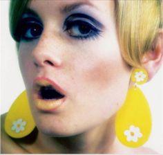 """Twiggy, 1960s, Mod, vintage fashion, Swinging Sixties, 1960s London, Twiggy muse, Twiggy model, Twiggy """"it"""" girl, groovy"""