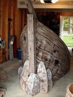 Maybe in the right corner of the church?The Shipwreck.I would love this in my front yard.filled with plants spilling over the sides. Pirate Halloween, Holidays Halloween, Halloween Crafts, Halloween Decorations, Pirate Crafts, Vbs Crafts, Halloween 2018, Pirate Birthday, Pirate Theme