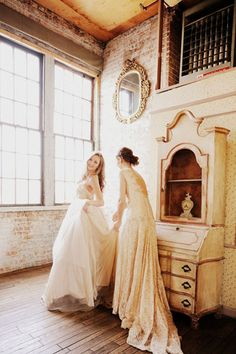 Judy Pak #photography | via tumblr  On your wedding day... a friend there for you , your maid of honor!