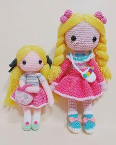 루시아랑 리사 이~~~만큼 차이가 난다능ㅋㅋ 코바늘 2호와 5호의차이! 머리통하나가 더크답ㅋㅋㅋㅋ . . . . #crochet#amigurumi#뜨개질#haken#by_me#knitting#crochetlove#iloveit#코바늘#ganchillo#handcraft#adorable#custom#취미#crochetdoll#코바늘인형#dollstagram#인형#핸드메이드#instacrochet#crocheting#amigurumidoll#crocheted#あみぐるみ#lucia#lisa
