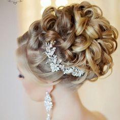 Such a #lovely #bridalhairstyle @websalon #wedding #weddinghairdecoration #bridalhair #hairstyle #kok #slubny #slub #fryzuraslubna #fryzuradoslubu #bride #bridalprep #weddingprep #img #fave #instaweddings #instalike #instagood #love #amazing #slubnaglowie #poprostupieknie #pannamloda #przygotowaniadoslubu #wesele