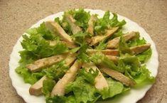 """Salată """"Caesar"""" – cea mai simplă, delicioasă și aromată rețetă! - Bucatarul Guacamole, Asparagus, Green Beans, Vegetables, Ethnic Recipes, Salads, Studs, Vegetable Recipes, Veggies"""