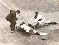 The New York Yankees with Joe DiMaggio, in his rookie season win the World Series over the New York Giants in six games. On This Day October 6 Softball Pitching Machine, Baseball Pitching, Baseball Training, Baseball Players, Baseball Cards, Baseball Live, Giants Baseball, Baseball Series, Polo Grounds