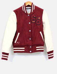 Chaqueta beisbolera in 2020 Varsity Jacket Outfit, Bomber Jacket, African Men Fashion, Teen Fashion, Cute Disney Shirts, Trendy Hoodies, Football Jackets, Cool Jackets, Jacket Style