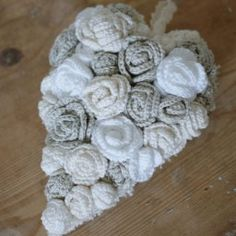 Crochet roses heart