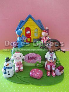 Doces Opções: Bolo da Doutora Brinquedos e amigos para o anivers...