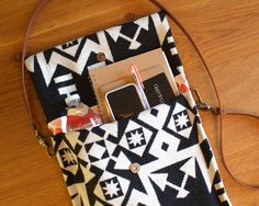 Sew a Simple Chic Crossbody Purse @Craftsy