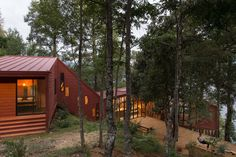 Completed in 2013 in Colico, Chile. Images by Felipe Díaz Contardo . The main objectives of the house are two. Firstly; that it integrates the forest in the daily experience of the user and Secondly; that it receives...