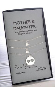 Customize your special gift for Mother's day with GLAMULET PHOTO charms. 100% compatible with Pandora bracelets.Mutter-Tochter-Schmuck. Mutter Tochter. Mama-Halskette. Mammen-Geburtstag. Inspirierend. Annahme-Geschenk. Mutter der Braut. Hochzeits Party Geschenke.