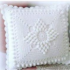 Crochet Pillow Cases, Crochet Pillow Patterns Free, Crochet Bedspread Pattern, Crochet Cushion Cover, Crochet Cushions, Granny Square Crochet Pattern, Crochet Squares, Filet Crochet, Crochet Lace Edging