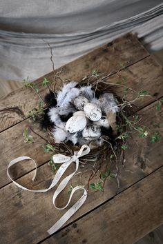 Osterdeko im Landhausstil. Noch mehr Bastelideen für Ostern gibt es auf www.Spaaz.de
