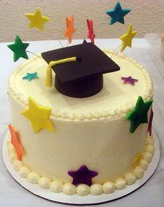 Salmon and mozzarella cake - Clean Eating Snacks Graduation Food, Graduation Cupcake Toppers, Kindergarten Graduation, Strawberry Roll Cake, Snoopy Birthday, Savoury Cake, Pretty Cakes, Creative Cakes, Halloween