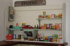 ma petite épicerie .....que j'ai déjà depuis un bon moment mais que je n'avais pas encore pensé à vous montrer .