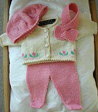 Doll Dress Patterns, Clothing Patterns, Baby Barn, Knitting Dolls Clothes, Babydoll Dress, Baby Dolls, Free Pattern, Knitwear, Sweaters