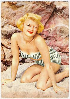 Summer gingham loving' happened so fast! :) #1950s #summer #beach #vintage #pinup