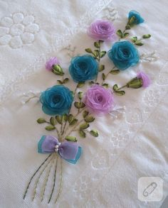 Wonderful Ribbon Embroidery Flowers by Hand Ideas. Enchanting Ribbon Embroidery Flowers by Hand Ideas. Embroidery Bags, Silk Ribbon Embroidery, Hand Embroidery Patterns, Floral Embroidery, Embroidery Stitches, Ribbon Art, Ribbon Crafts, Flower Crafts, Bordado Floral
