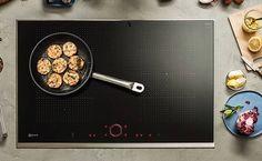 [ Placas FLEXINDUCCION ] Tan importante son los muebles de cocina como los elementos que la componen. Uno de los electrodomésticos más importantes es la placa de inducción, es el encargado de cocinar nuestros platos y donde nace la creatividad. Con las nuevas placas de Inducción de Neff, cocinar será toda una experiencia, gracias a su concepto de uso intuitivo y funciones innovadoras que son a la vez prácticas y fascinantes: como por ejemplo el nuevo Twist Pad® Light que se ilumina y permite…