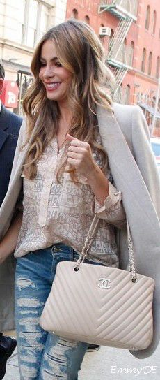 Emmy DE * Chanel 'Chevron' Bag