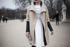 Fotos de street style en Paris Fashion Week | Galería de fotos 23 de 132 | Vogue