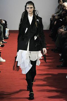 Comme des Garçons Fall 2008 Ready-to-Wear Fashion Show - Masha Tyelna