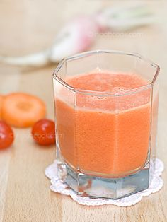 Juicing your way to good health - Carrot, Radish & Tomato Juice A simple vegetable juice recipe for a busy mid-weekday.