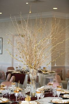 5 Easy DIY Wedding Centerpieces. If you are on the hunt for ways to cut costs then these ideas will serve your purpose well.