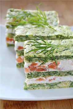 Appetizer with cheese mousse and salted salmon No Salt Salmon Recipe, Salmon Recipes, Appetizer Salads, Appetizers, Baked Pumpkin, Bon Appetit, Finger Foods, Kids Meals, Food Photography