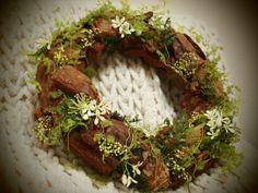 Bark chip wreath