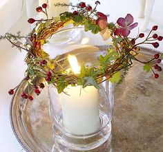 Wreath for candles - Christmas Candles, Christmas Love, Country Christmas, All Things Christmas, Christmas Decorations, Christmas Lights, Holiday Fun, Holiday Crafts, Candle Lanterns