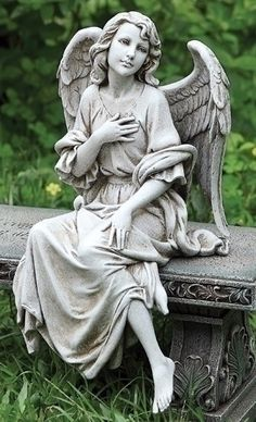 Seated Garden Memorial Angel Facing Right