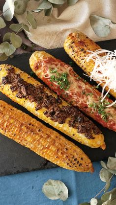 If you like elote, you'll fall in love with these flavorful recipes to make street corn. If you like elote, you'll fall in love with these flavorful recipes to make street corn. Corn Recipes, Mexican Food Recipes, Good Food, Yummy Food, Meals For Two, Street Food, Food Dishes, Food Videos, Food To Make