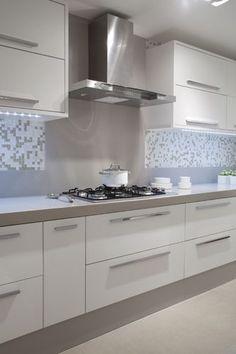 Kitchen Cupboard Designs, Kitchen Room Design, Modern Kitchen Design, Home Decor Kitchen, Interior Design Kitchen, Modern Kitchen Interiors, Modern Kitchen Cabinets, Kitchen Modular, Small Kitchen Layouts