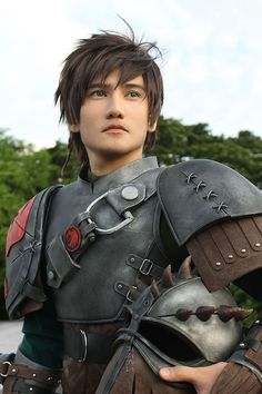 flaws-in-icarus: Hiccup cosplay, from how to train your dragon two. God damn