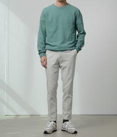 Men's Mint Sweatshirt, White Crew-neck T-shirt, Grey Chinos, Beige Athletic Shoes Korean Fashion Men, Japanese Street Fashion, Mens Fashion, Cozy Fashion, Minimal Fashion, Teenage Boy Fashion, Grey Chinos, Outfits Hombre, Casual Street Style