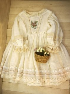 Your doll best friend Baby Girl Fashion, Kids Fashion, Little Girl Dresses, Girls Dresses, Vintage Outfits, Look Girl, Baby Sewing, Kind Mode, Baby Dress