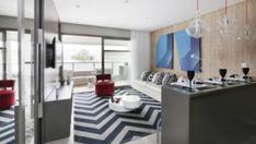 Découvrez un appartement particulièrement moderne avec une paroi modulable !
