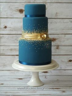 Blue and gold wedding cake inspiration! Beautiful Wedding Cakes, Gorgeous Cakes, Pretty Cakes, Amazing Cakes, Elegant Wedding Cakes, Bolo Cake, Blue Cakes, Teal Cake, Just Cakes