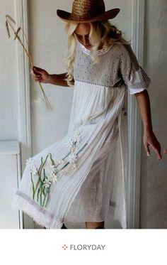 c999db74ced727 Floral half sleeve midi shift dress